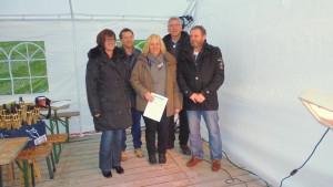 Foto: Petra. Ziemann vLnR: Claudia Horstmann, Kai Koch(Kurdirektor), Susanne Gödecker, Günter Ziemann(clinsiel.de), Jörn Gödecker
