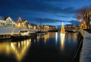 © NordseeUrlaubbuchen Der Historische Hafen von Carolinensiel im Winter 2002