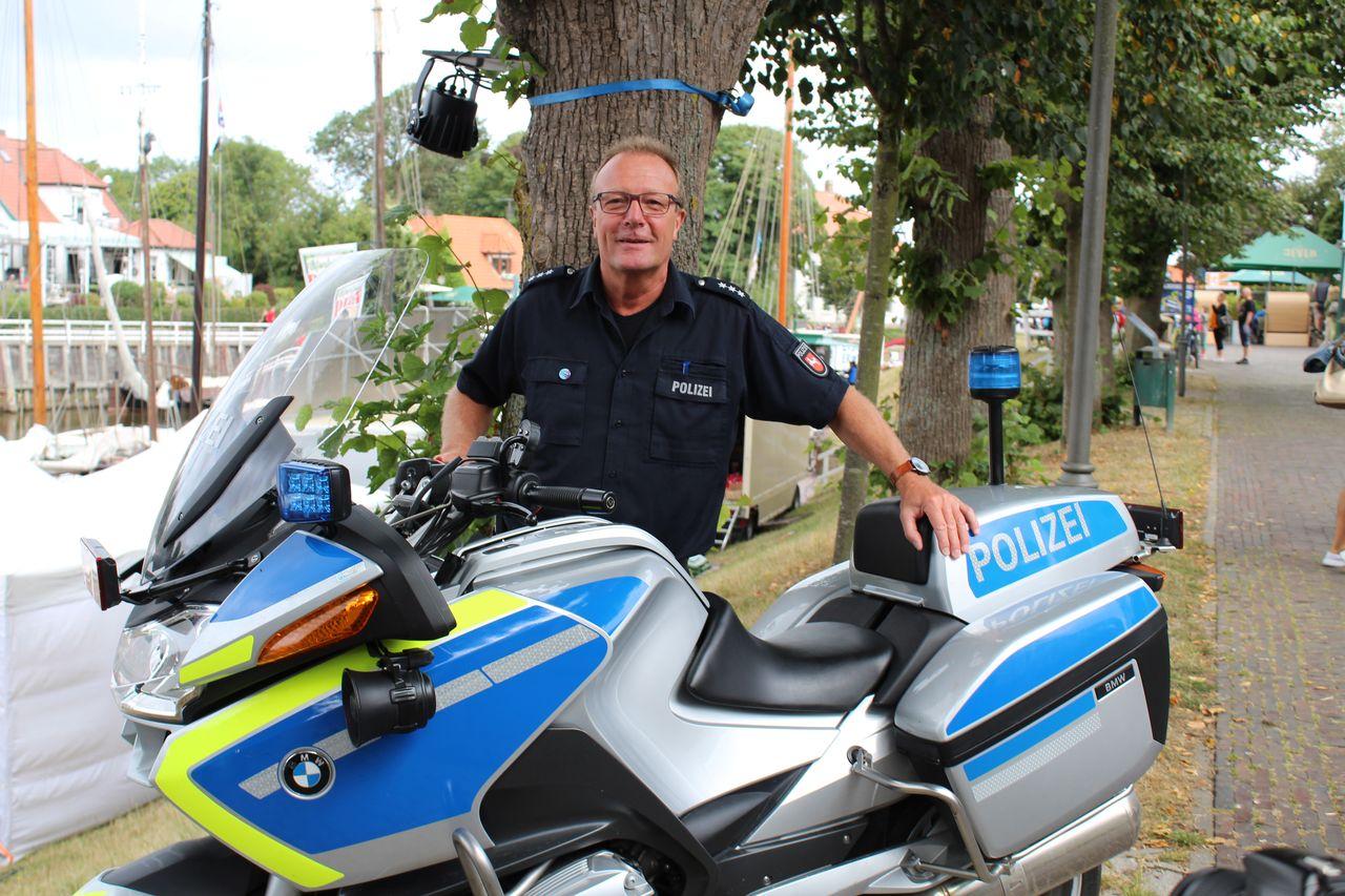 Anzeigen bei der Polizei nach Möglichkeit online oder telefonisch