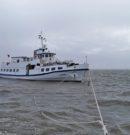 Seenotretter schleppen manövrierunfähiges Fahrgastschiff sicher nach Langeoog